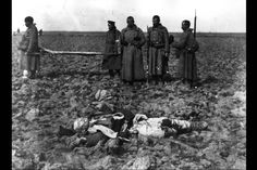 Soldiers remove the dead from the battlefield at Adrianople during the First Balkan War