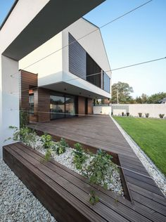 Image 14 of 15 from gallery of FRA House / Beczak / Beczak / Architekci. Style At Home, Bungalow, Modern Floor Plans, Gable Roof, Scandinavian Home, House Goals, New Homes, Home And Garden, House Design