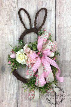 Bunny Wreath Easter Door Hanger Spring Wreaths for Front Easter Wreaths, Christmas Wreaths, Spring Wreaths, Yarn Wreaths, Floral Wreaths, Summer Wreath, Mesh Wreaths, Bunny Crafts, Easter Crafts