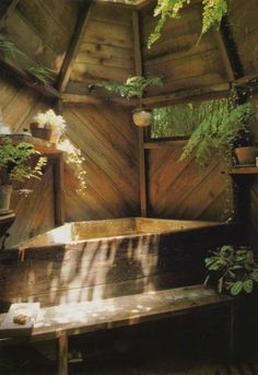 Bohemian Homes: Wooden Bath Tub (Bohemian Homes) - Designer-Badezimmer - Outdoor Baths, Outdoor Bathrooms, Wooden Bathtub, Tiny House Bathroom, Dream Bathrooms, Wood Bathroom, Bohemian House, Earthship, Cozy Cabin