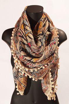 Foulard quadrato multicolore con pon pon. #portobelloathome  http://portobelloathome.com/?product=foulard-multicolore