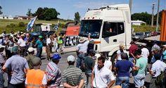 ¡VERGÜENZA MUNDIAL! Productores trancan vías en Uruguay para exigir pago de deudas de Venezuela