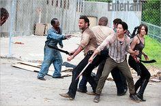 Walking Dead Prison pic: love a woman with a machete