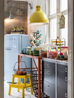 Sweet Home Decoration .Sweet Home Decoration Kitchen Dining, Kitchen Decor, Eclectic Kitchen, Kitchen Styling, Sweet Home, Deco Retro, Cuisines Design, Kitchen Colors, Cheap Home Decor