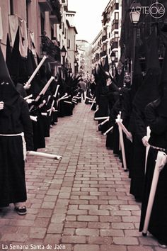 La Semana Santa de Jaén. http://arteole.com/blog/la-semana-santa-de-jaen/