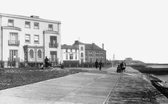 Old photo of The Promenade Walton On The Naze A house along here somewhere belonged to my mother's grandfather. Essex Coast, Walton On The Naze, To My Mother, My Childhood Memories, Old Photos, England, Street View, Mansions, History