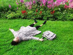 Käsityö, joka kulki mukanani koko kukkaiskesän. Hesperian puisto. Herttoniemi. Hevossalmi. ...