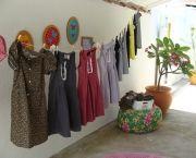 como-produzir-um-bazar-5 Wardrobe Rack, Furniture, Home Decor, Business Tips, Craft, Ideas, Letting Go, Clothes Line, Homemade Home Decor