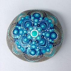 Grande roccia Dot Art Mandala dipinto pietra di CreateAndCherish