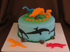 Sam 4 - Dinosaur Cake