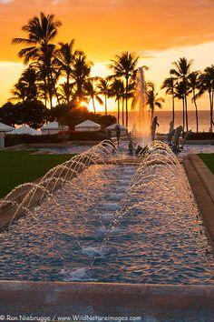 Stock Photos of Sunset at the Grand Wailea, Maui, Hawaii, by professional photographer Ron Niebrugge Maui Hawaii, Hawaii Travel, Dream Vacations, Vacation Spots, Places To Travel, Places To See, Wailea Maui, Wailea Resort, Resort Spa