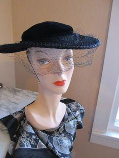 Vintage 1930s 1940s Black Velvet Medium Brimmed Evening hat with Veil #Eveningordinnerhat