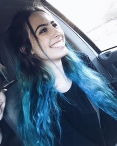 Lauren Cimorelli This smile Cimorelli Sisters, Lauren Cimorelli, Unnatural Hair Color, Emotion, Now And Forever, Girls Club, Girl Bands, Blue Hair, Girl Pictures