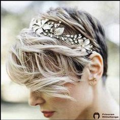 10 Wedding Hairstyles for Short to Mid-Length Hair - Hair For Women İdeas Short Hair Updo, Short Hair Styles, Bride Short Hair, Pixie Bride, Short Bridal Hair, Curly Short, Short Blonde, Curly Hair, Hairstyle Bridesmaid