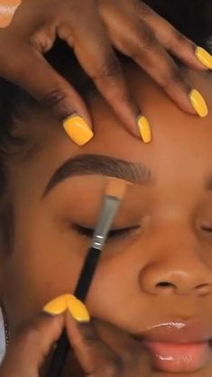 Eyebrow Makeup Tips, Makeup Tutorial Eyeliner, Smokey Eye Makeup, Makeup Art, Makeup Tricks, Makeup Tutorial Videos, Black Makeup Tutorial, Fall Eye Makeup, Hair Makeup