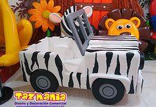 Caja de regalos para una fiesta temática safari
