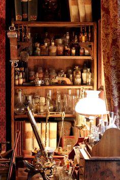 221b Baker Street: The Sherlock Holmes Museum In London
