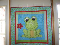"""Frog Quilt by """"sandypants"""" of the quiltingboard.com"""