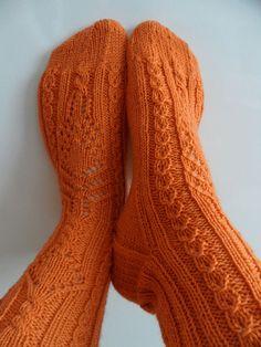 Ravelry: Maskerade pattern by Trude Hertaas Crochet Baby Boots, Crochet Slippers, Knit Crochet, Knitting Socks, Hand Knitting, Knit Socks, Afghan Crochet Patterns, Knitting Patterns Free, Knit Basket