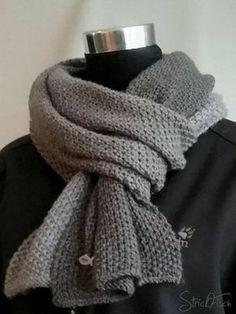 Einen einfachen Herren Schal stricken ist nicht schwer. Im Perlmuster stets beliebt und auch für Anfänger kein Hexenwerk. Traut euch einfach.