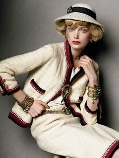 Lily Donaldson in Chanel and Goossens jewelry. | @modelsbornhot ( SIV Contributer )