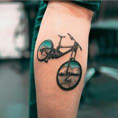 Coolest bike tattoo I've ever seen! - Coolest bike tattoo I've ever seen! Cycling Tattoo, Bicycle Tattoo, Bike Tattoos, Dirt Bike Tattoo, Future Tattoos, New Tattoos, Small Tattoos, Cool Tattoos, Tattoos For Women