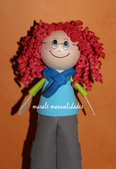 Fofucha peliroja con gafas www.maralemualidades.wordpress.com