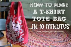 How To Make A No Sew T-Shirt Tote Bag In 10 Minutes This no sew t-shirt tote bag made from old t-shirts can be whipped up in just ten minutes! It's perfect as a DIY tote or farmer's market bag, and easy enough for kids to make as an indoor activity. Sewing Crafts, Sewing Projects, Diy Projects, Diy Summer Clothes, Cute Tote Bags, Diy Clothes Refashion, Diy Accessoires, Diy Clothes Videos, Craft Ideas