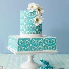 Весенний тренд - мятного цвета свадебный торт с белыми цветами
