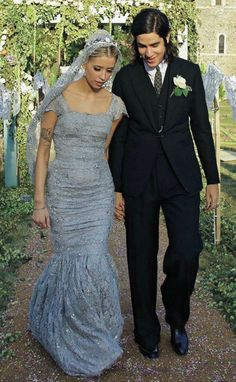 Peaches Geldof - Dolce & Gabbana dove grey wedding dress. Love the veil.