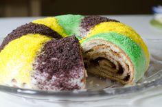 Mardi Gras King Cake recipe plus link to Wikipedia history of Mardi Gras and King Cake.