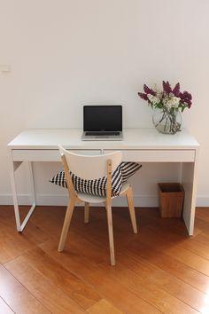 整理整頓 Offices, Office Desk, Furniture, Home Decor, Desk Office, Desk, Interior Design, Home Interior Design, Office Spaces