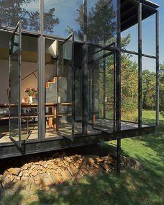 Judd style hinged windows. want.