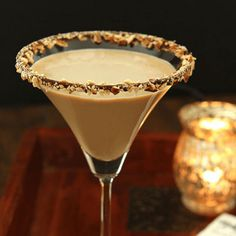 Mix your own Salted Toffee Martini Cocktail. Ingredients 50 ml ml Chocolate mlAmarettoGarnishChocolate SauceGratedSalted Chocolate Instructions Add ice, toffee Toffee, Tiramisu Martini, Gin, Chocolate Liqueur, Christmas Drinks, Alcohol Recipes, Martini Cocktail, Vanilla, Cocktails