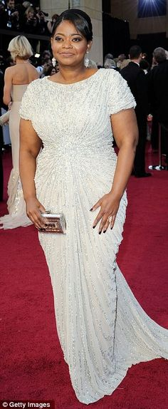 Octavia in Tadashi Shoji creation was in the most flattering dress. I thought the dress was the most beautiful.