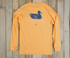 Our most popular shirt featuring the Southern Marsh mallard silhouette logo on the back and our Authenticlogo on the front pocket. With our new release of the Heritage line we combined the elements a state's identity using antique maps and flags to give a new spin to a classic design. The Authentic Heritage Teemakes a great addition to your wardrobe. 100% Lightweight CottonUltra Soft Spun FabricPocket TeeFull ColorGarment WashedAlso available: Authentic Heritage Tee - Virginia - Short…