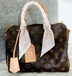 Louis Vuitton Monogram Tote. Vintage LV Handbags For Fashion Women. #Louis #Vuitton #Handbags