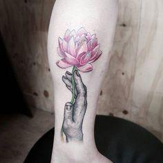 65 Tatuagens de Flor de Lótus (as melhores fotos!)