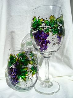 Hey, I found this really awesome Etsy listing at https://www.etsy.com/listing/179838539/grapevine-hand-painted-wine-glass-set-of