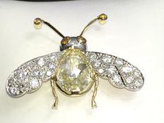 Diamanten Bij met 2,77 ct GIA Fancy lichtgele natuurlijke diamant