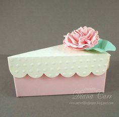 Pink and Cream Favor Boxes with Handmade Flowers - Party Favor Boxes, Wedding Favors, Bridal Shower Favors, Birthday Party Favors. Wedding Gift Bags, Wedding Favor Boxes, Wedding Ring, Cake Slice Boxes, Tarjetas Diy, Eid Crafts, Paper Cake, Pretty Box, Birthday Party Favors