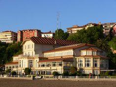 Hotel Igeretxe, en la playa de Ereaga (Foto: Bibliotecas de Getxo)