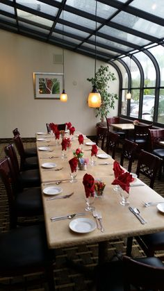 Our Panini Restaurant atrium at the Holiday Inn Orange County Airport- Santa Ana is the perfect spot for a smaller group luncheon or dinner event..