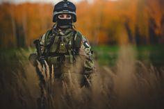 http://urbanfragment.files.wordpress.com/2012/10/female-soldier-from-the-italian-army.jpg