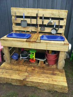Pallet kitchen loving, from Beenleigh Family Day Care via let the children play ≈≈mud kitchen Kids Outdoor Play, Outdoor Play Spaces, Backyard Play, Kids Play Area, Children Play, Play Areas, Outdoor Fun, Outdoor Play Kitchen, Children Garden