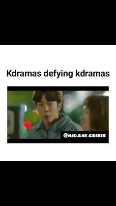 Korean Drama Songs, Korean Drama Funny, Korean Drama List, Korean Drama Quotes, Funny Videos For Kids, Funny Short Videos, Crazy Funny Memes, Funny School Jokes, Kim Taehyung Funny