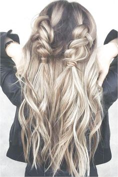 Trendy hair long edgy updo hairstyles long for long long hairstyles hair braids hair curls hair cut with layers hair ideas hair styles hair volume long hair Braided Hairstyles Updo, Fancy Hairstyles, Trending Hairstyles, Simple Hairstyles, Gorgeous Hairstyles, Hairstyles 2018, Popular Hairstyles, Braided Locs, Hairstyles Videos