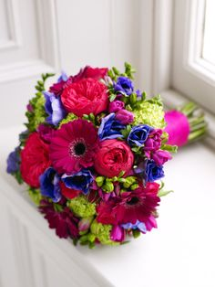 Stunning brightly coloured bridal bouquet