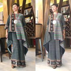 New dress brokat pendek products 38 ideas Batik Fashion, Ethnic Fashion, Boho Fashion, Hijab Fashion, Womens Fashion, Blouse Batik, Batik Dress, Winter Dress Outfits, Chic Outfits