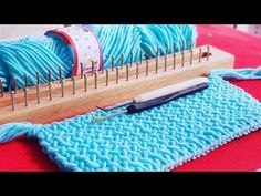 Knitting Patterns Scarf Knitting Board for Beginner Pattern 001 (Perola) : for Scarf, Hat, Afghan (CHIC Studio) Loom Knitting Blanket, Loom Blanket, Loom Knitting Stitches, Loom Knitting Projects, Knitting Videos, Knitting For Beginners, Knitted Blankets, Macrame Patterns, Loom Patterns